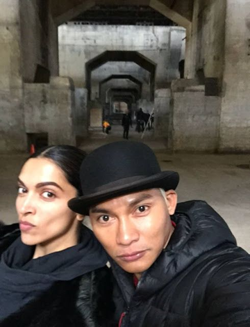Recent pics of Tony Jaa with Deepika Padukone on set. http://www.bollywoodnentertainment.com/2016/04/recent-pics-of-tony-jaa-with-deepika.html