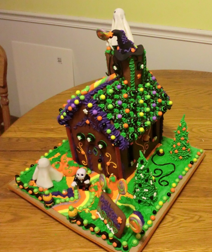 24 Best Haunted Gingerbread Houses Images On Pinterest Halloween