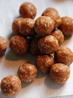 No-Bake Dog Treats   3/4 cup peanut butter  1/4 tsp cinnamon 1/4 cup water  1 1/4 cup oats