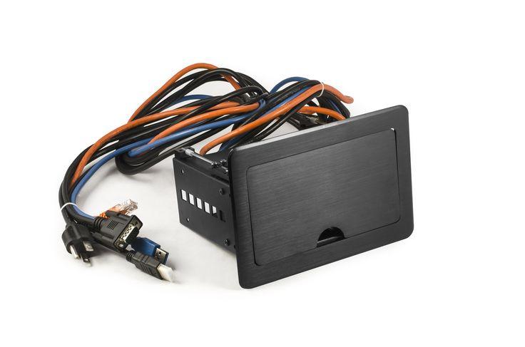 Grommet o caja de conectividad RETRACTIL. todas sus funciones vienen con cables con mas de un metro de largo para poder extraerlas.