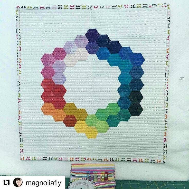 Yay my mini hexi quilt for #overtherainbowswap arrived safe and sound to my swap partner @magnoliafly in USA ...I breath a sigh of relief that it arrived one piece #teamcrimsonredrubies @alysonkowalchyk @robynlhop