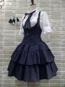 I just absolutely love vests in gothic and classic lolita fashion