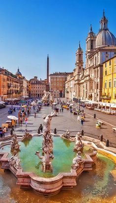 Neptune fountain from above in Navona square, Rome, Italy #lifeadvancer | /lifeadvancer/
