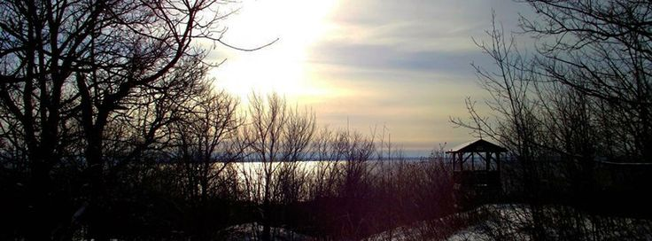 Only a 20 minute walk on the trail will take you to this beautiful view at the lookout.