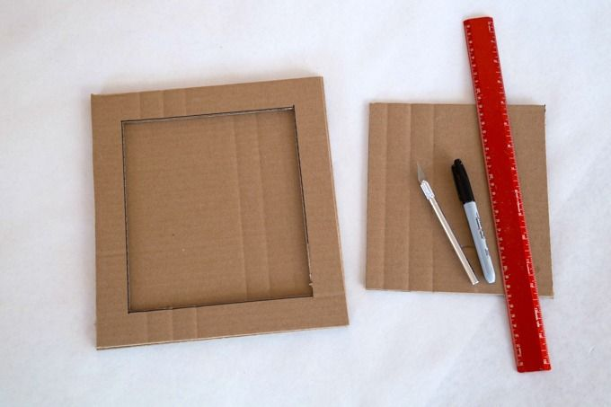How to Make the Cardboard Picture Frame