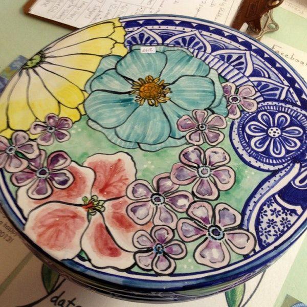 4/14/2013 tarihinde Tessa B.ziyaretçi tarafından Damariscotta Pottery'de çekilen fotoğraf
