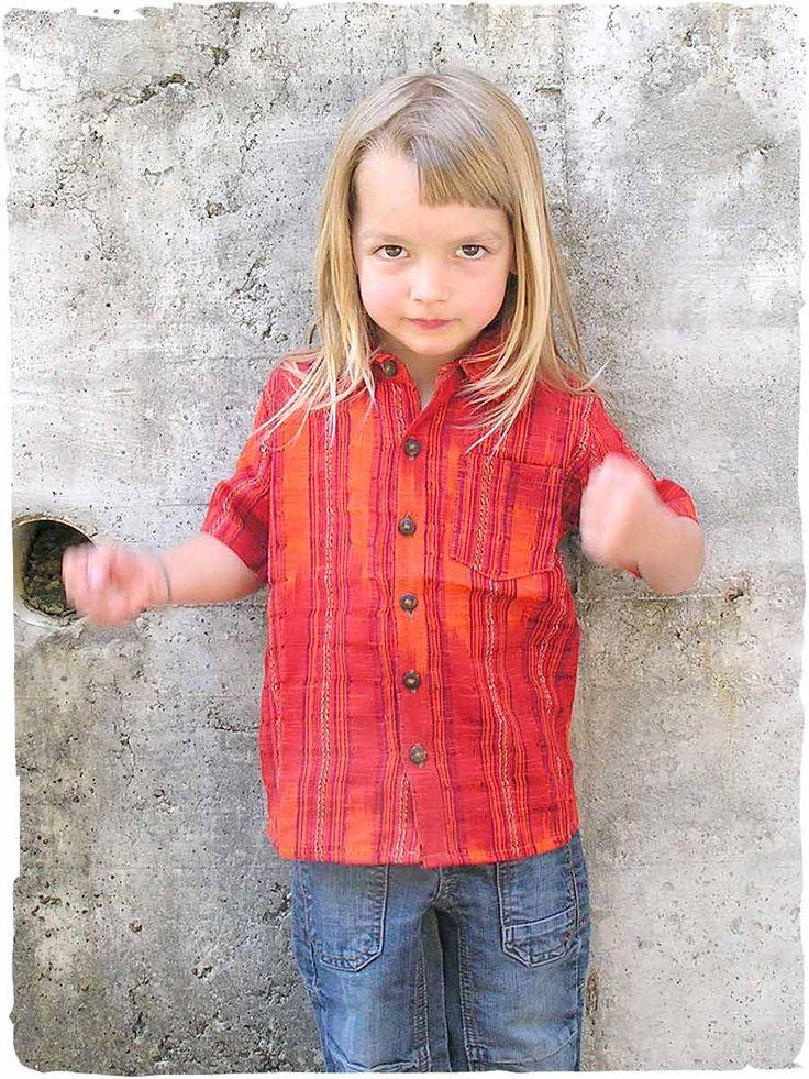 camicia Mario junior #junior #camicia per #bambino con manica corta e #bottoni in legno di #cocco, modello italiano lavorato artigianalmente in #Guatemala #cotone #modabambino #modaestate