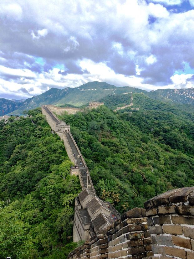 Which section of the Great Wall is the best? Find out why we chose to visit the Mutianyu section at the Great Wall of China.