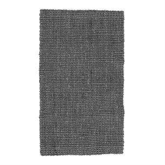 Den slitstarka Jutemattan i färgen blygrå från svenska Dixie är vävd i naturlig jute med en rustik look. Mattan gör sig utmärkt i en hall och är även enkel att kombinera tillsammans med andra inredningsdetaljer tack vare sin enkla design! Välj mellan olika storlekar.