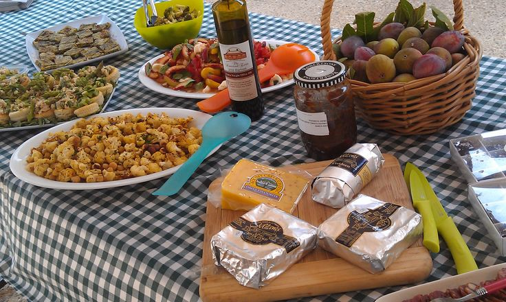 Lunch at Ringer Reef winery celebrating the best local produce