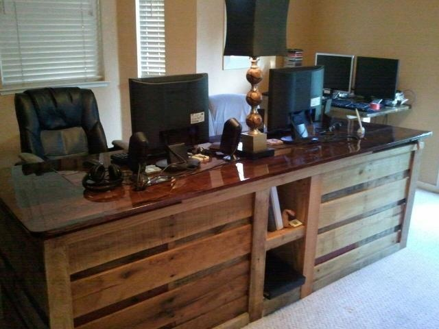 Pallet Furniture Office