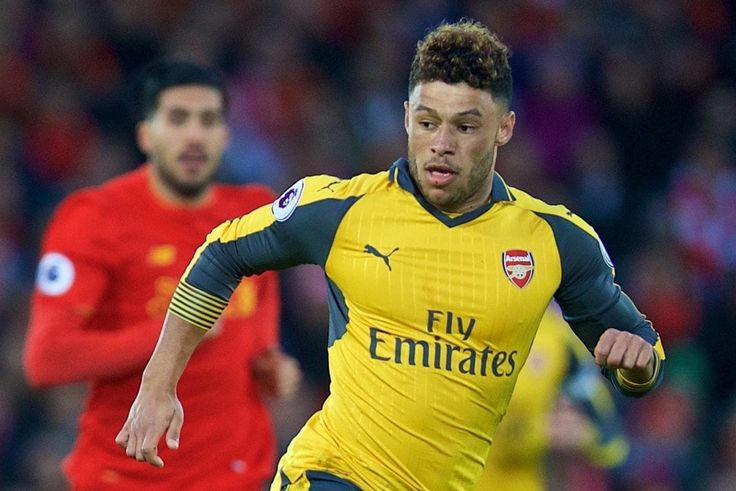 Liverpool willing to offer club record transfer fee for Arsenal's Alex Oxlade-Chamberlain – report