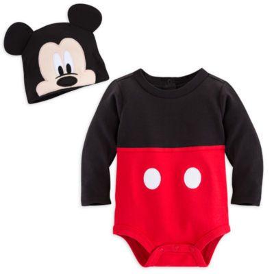 Ils vont ressembler à une version miniature de Mickey Mouse avec ce body ! Incluant la tenue originale de Mickey et un chapeau avec oreilles et visage en relief, c'est une amusante idée de cadeau.