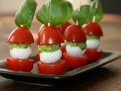 Jednohubky na párty z cherry rajčat a mozzarelly - | Prostřeno.cz