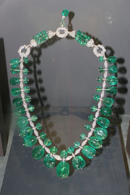 Emerald Necklace owned by Marjorie Merriweather Post. Cartier - 1929