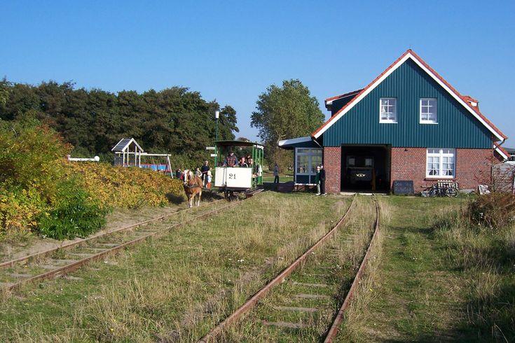 Spiekeroog-Museumspferdebahn_2.jpg 1.280×853 Pixel