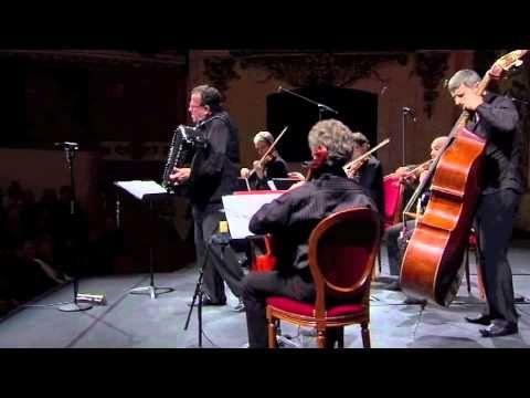 Richard Galliano sextet Tango pour Claude - YouTube