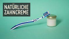 So einfach geht Zahnpasta selber machen: Mit natürlichen Inhaltsstoffen, ohne Chemie. Mach jetzt deine Zahnpasta selber und schütze deine Zähne ideal.