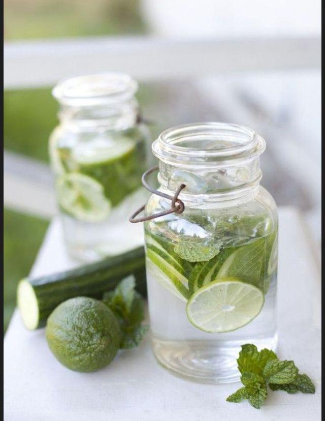 Idees de recettes d'eaux detox - Water detox citrons concombres