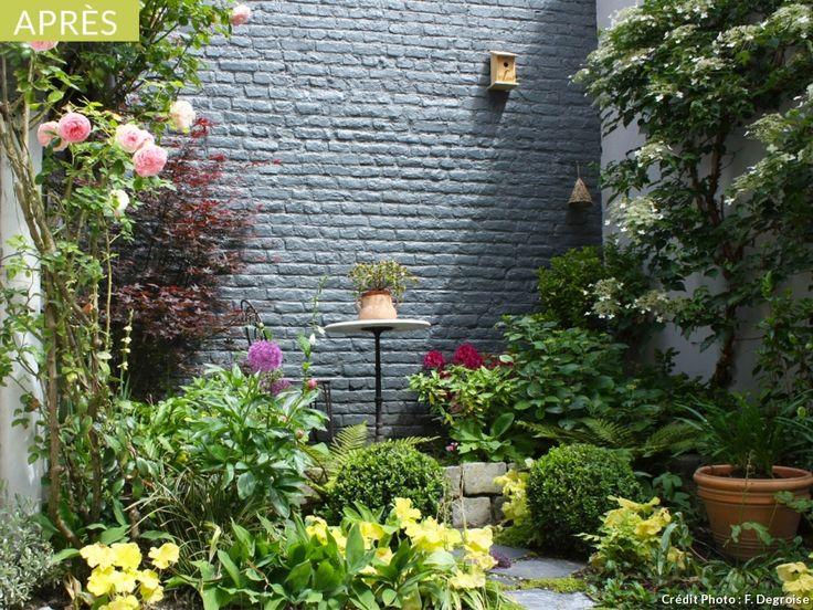 Transformer une courette ombragée en petit jardin romantique
