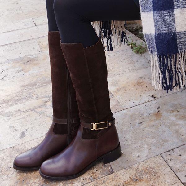Botas ecuestres con detalles dorados. #Lince #Linceshoes #boots