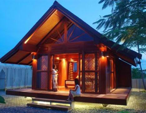 Amazing. Portable DIY Chalet allows for multiple uses such as in private homes as a beach pavilion or, for commercial use as in a booth at a trade show, or a newsstand or even a Jacuzzi bathhouse!   Each house can be assembled or taken apart within 48 hours and is completely outfitted with showers, toilets, air-conditioning, heating and lighting systems.