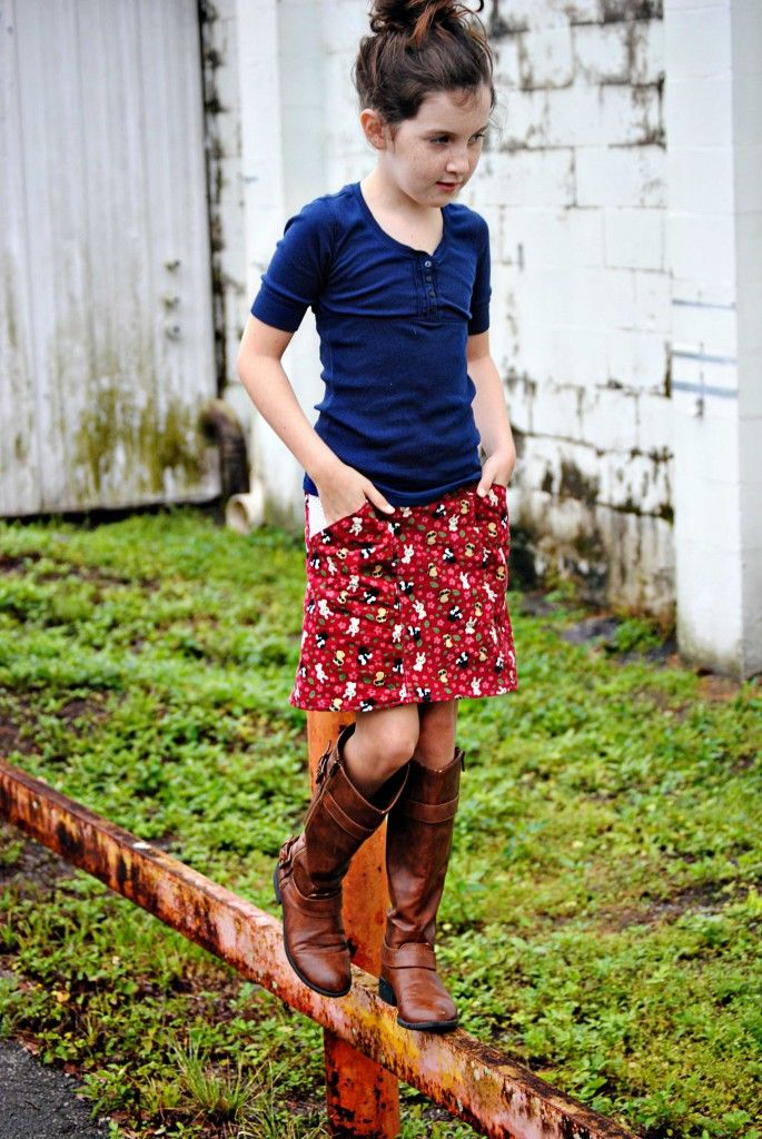 inspiration: Alder Skirt Pattern by imagine gnats.  I think I have the perfect corduroy to make this skirt for my daughter