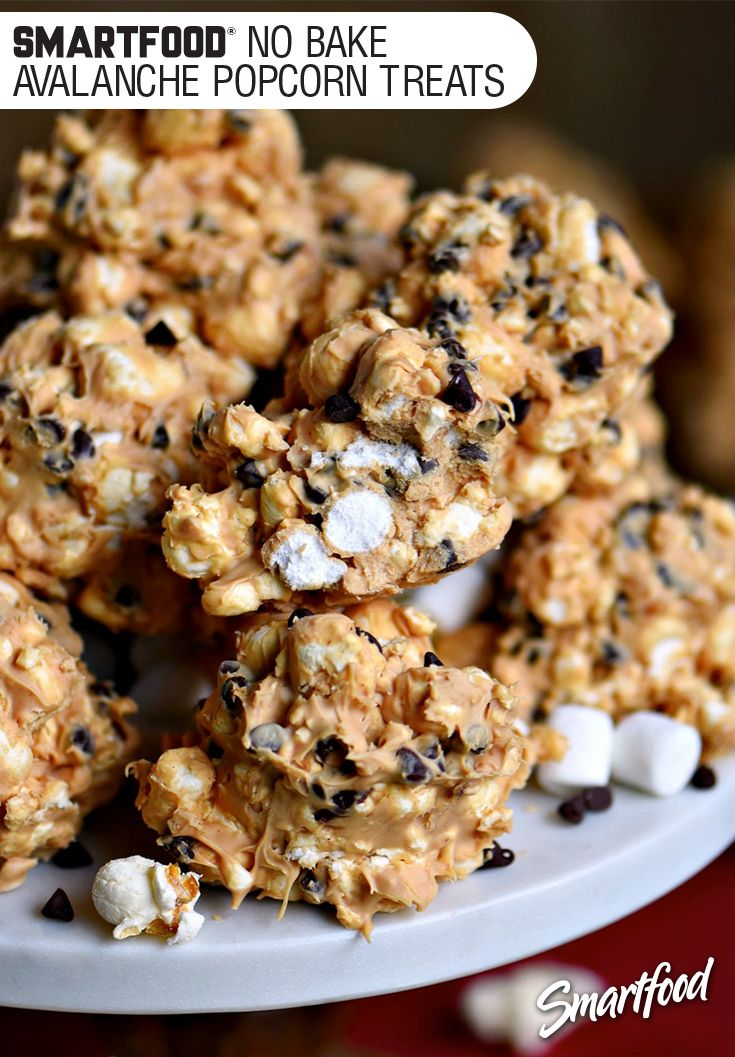 Sponsored by Frito-Lay l Unexpected guests will be blown away by these no bake avalanche Smartfood® popcorn treats!  A quick & easy way to pull off something delicious, that won't pull you away from your friends. #mingleinabox