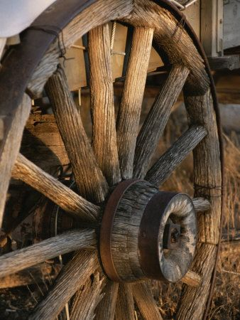 Wagon Wheel: Wagon Wheels Drawn, Country Living, Cowboys Rustic, Covers Wagon, Old Wagon Wheels, Westerns Living Rooms, Country Life, Rustic Wagon, 10 Ranch