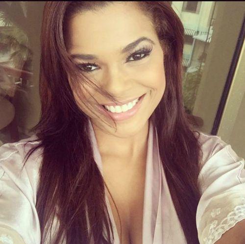 Alina Vargas tuvo su boda con Zeynel Díaz a sus dos meses de embarazo.