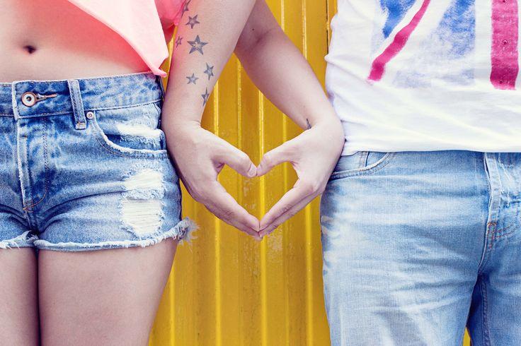 Quando si vuole dichiarare al mondo il proprio amore, cosa c'è di meglio di un tatuaggio di coppia per fidanzati? I tatuaggi complementari o coordinati sono diventati di gran moda. Che si tratti di disegni, di simboli....  #tattoo #tatuaggi #inkmet #tatuaggicoppia #tattoolove