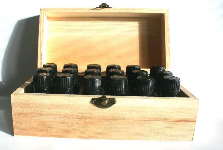Aromaterapeutická lekárnička - REVOLÚCIA V LEKÁRNIČKE - 18 éterických olejov x 10ml. Prírodný spôsob liečby a prevencie.  FIRST AID REVOLUTION Aromatherapy kit - 18 essential oils x 10ml and a wooden box for aromatherapy lovers and natural first aid.