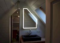 LED spiegel met schuine hoek geplaatst in Loosdrecht