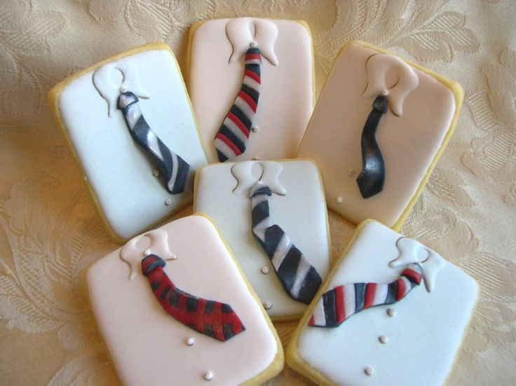 "These Biscotti decorati ""Shirt cookies"" are too cute! Men like cookies too! ;-)"