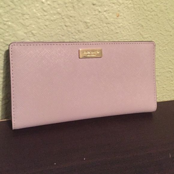 手机壳定制goro leather long wallet HPNWT Kate spade Stacy wallet NWT Kate spade Stacy wallet in a lavender color lilacbliss Has  card slots four spots for bills laying flat and a spot for your ID Also had a coin spot along the back This wallet hold everything No trades kate spade Bags Wallets