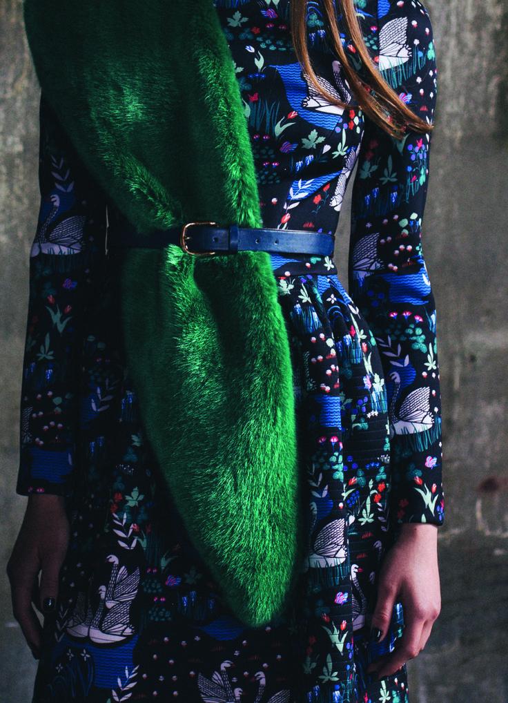 Kira Plastinina FW15/16 gold label swan print dress with emerald faux fur stole