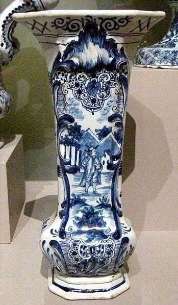 Дельфтская фарфоровая ваза
