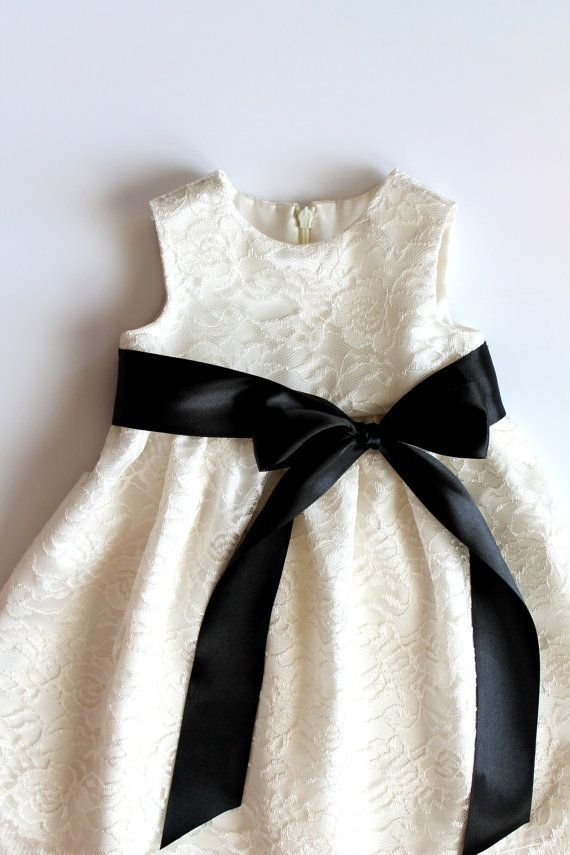 Lace Flower Girl dress with sash and a bow SizeT2 by HiddenRoom