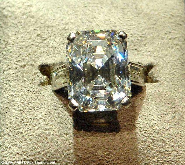 122 best images about Royal Engagement Rings bagues de fiançailles royales o