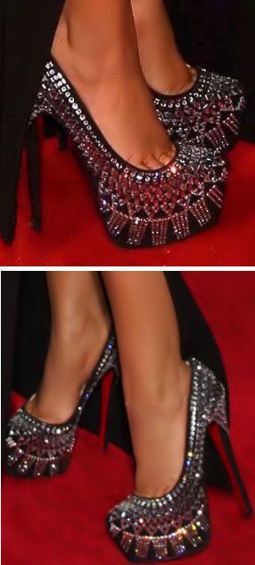 Christian Louboutin Decorapump ♥ beautiful, but my feet would kill me