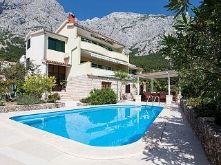 www.croatiatours.hr/+Low+Price+-+Garantie/+Villa+mit+4+Schlafzimmer/+10+Personen+++Ferienhaus in Kroatien von @homeaway! #vacation #rental #travel #homeaway
