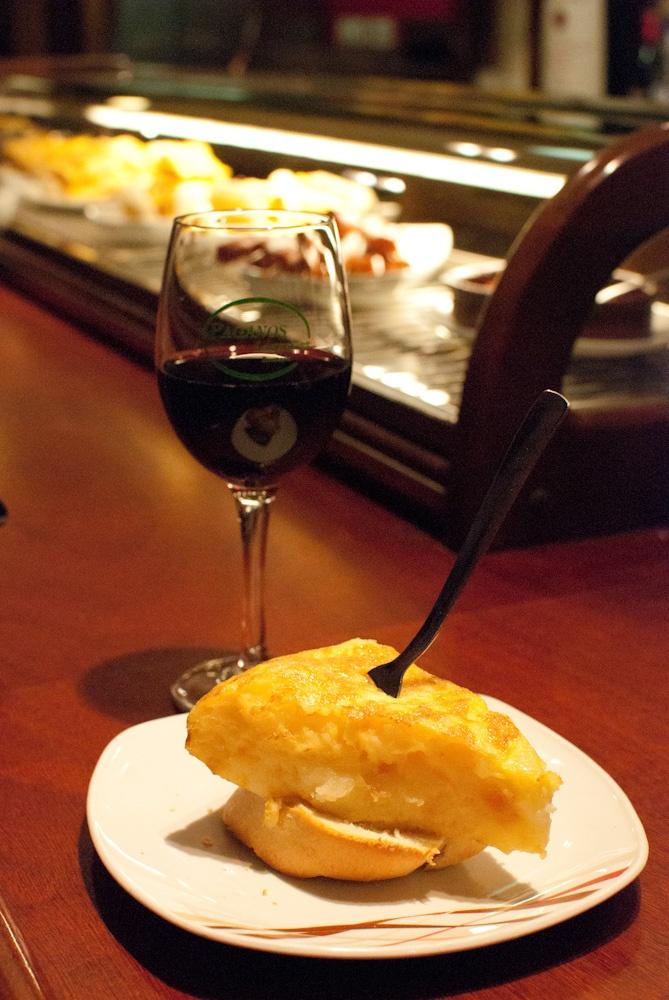 Cuñao, qué has comido hoy?: Logroño: Tapas (pintxos) por la Calle Laurel y su Travesía - Bar Paganos - pintxo tortilla