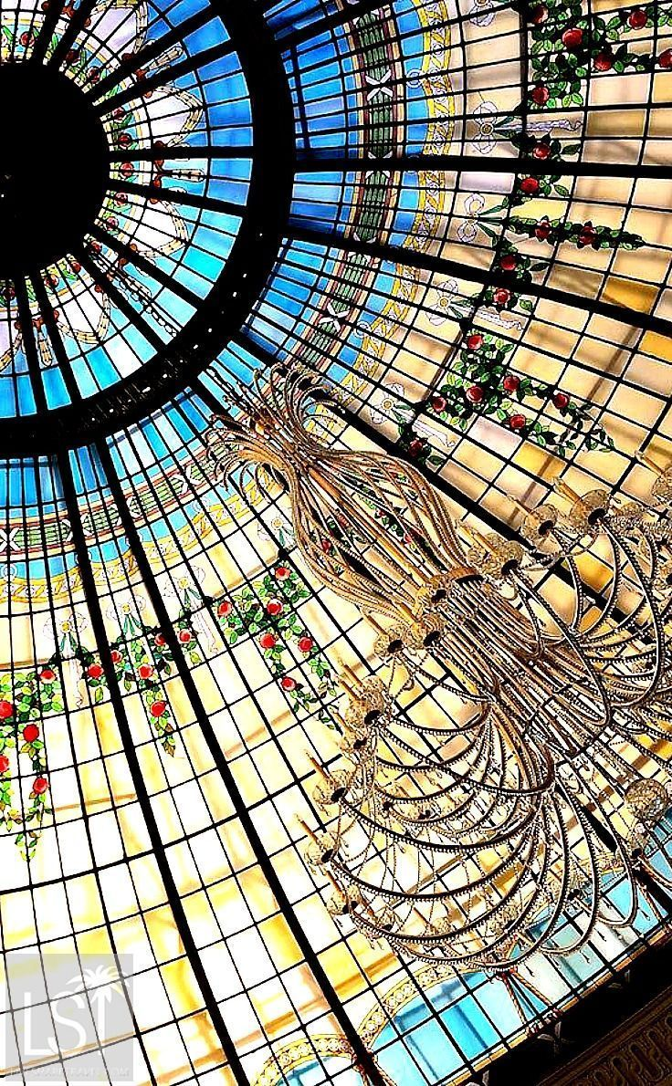 The rotunda at the Westin Palace hotel in Madrid, Spain. Having brunch at the hotel during its weekly opera performance is one of the best things to do in Madrid to marvel at the architecture and interior design of this beautiful hotel. #Madrid #Spain