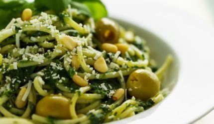 Špenátová omáčka na cestoviny s olivami
