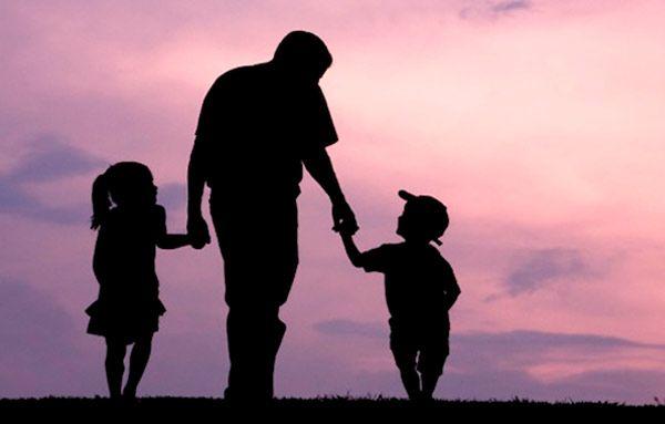 ماذا تعرف عن عيد الأب والذي يصادف اليوم الأحد تحتفل العديد من الدول العربية بيوم الأب أو بعيد الأب في الحادي والعش Photo Book Fatherhood Happy Fathers Day