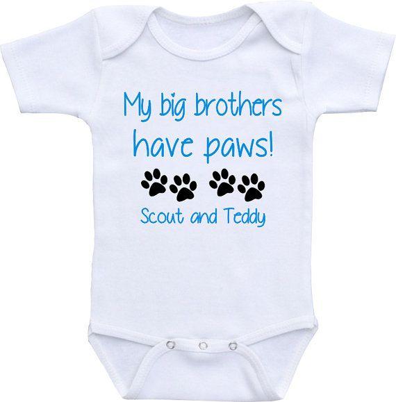 Miei fratelli maggiori hanno zampe cane onesie® di clippycabin