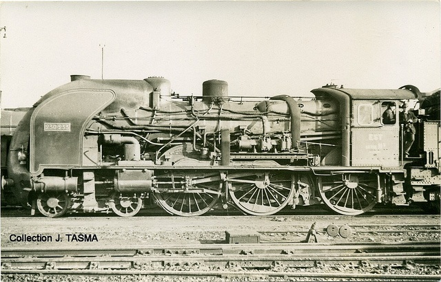 Est/SNCF 230K semi-streamlined    http://histoire.trains-en-vadrouille.com/viewtopic.php?f=159=51183