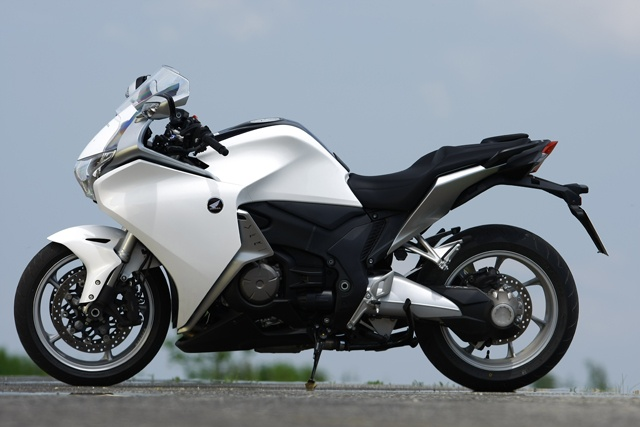 Testbericht: Honda VFR 1200 F - 1000ps.