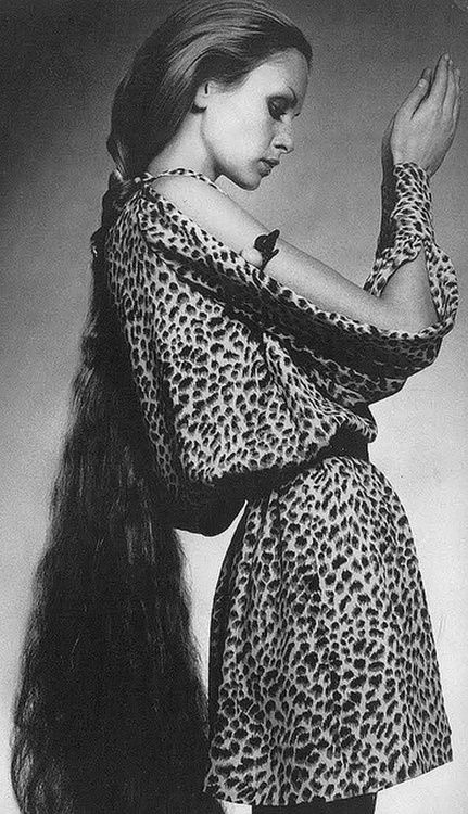 Twiggy for Vogue, 1970: Vogue, Inspiration, 1970 S, Long Hair, 1970S Fashion, Twiggy, Photo, Leopard
