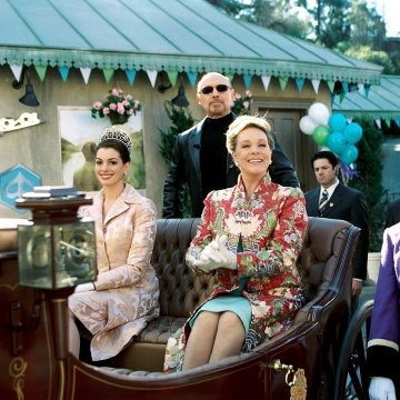 Julie Andrews, Hector Elizondo and Anne Hathaway in The Princess Diaries 2: Royal Engagement http://www.newmovieshouse.com/2004/The-Princess-Diaries-2-Royal-Engagement/